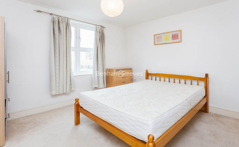 2 bedroom(s) flat to rent in Buckfast Street, Bethnal Green, E2-image 5