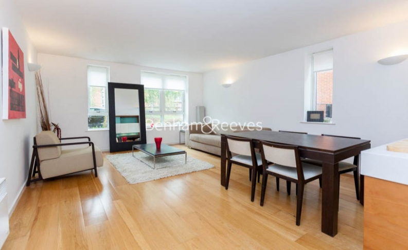 1 bedroom(s) flat to rent in Hillcrest Road, South Woodford, E18-image 3