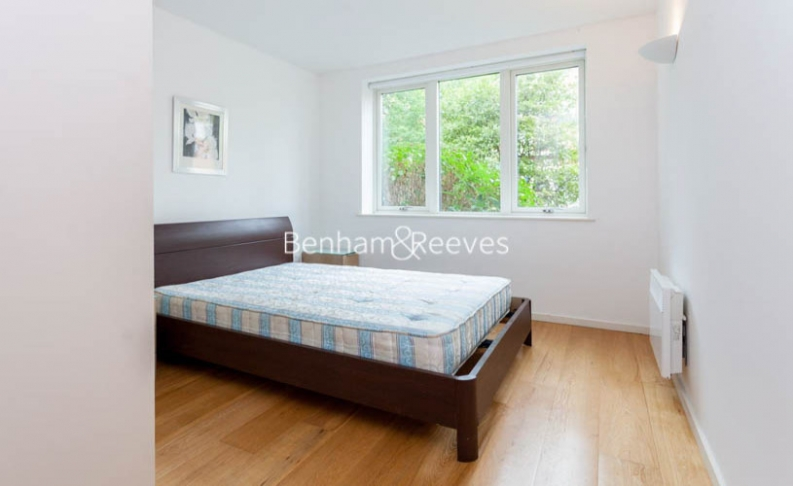 1 bedroom(s) flat to rent in Hillcrest Road, South Woodford, E18-image 4