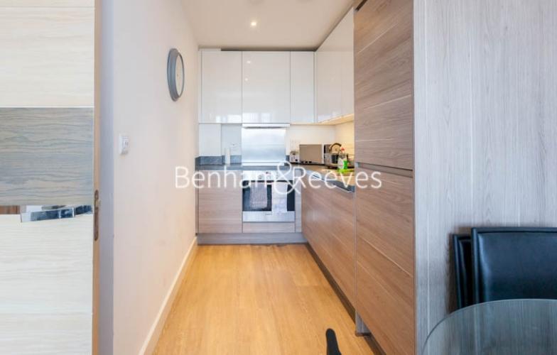 1 bedroom(s) flat to rent in Seafarer Way, Surrey Quays, SE16-image 2