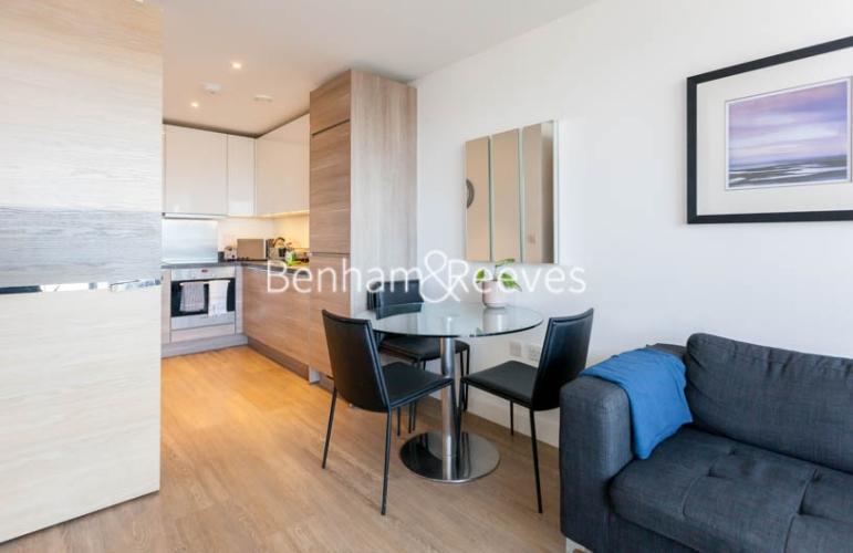 1 bedroom(s) flat to rent in Seafarer Way, Surrey Quays, SE16-image 3