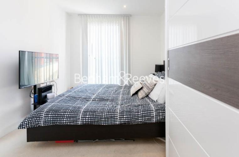1 bedroom(s) flat to rent in Seafarer Way, Surrey Quays, SE16-image 4