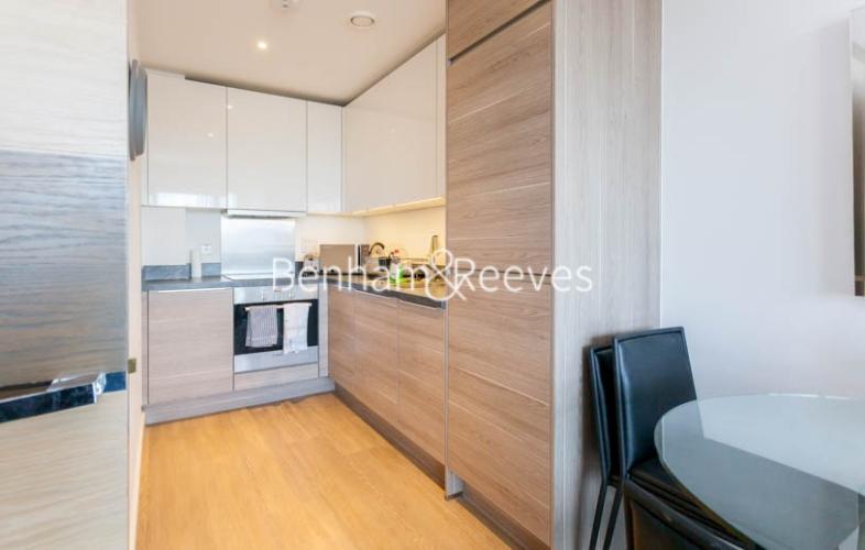 1 bedroom(s) flat to rent in Seafarer Way, Surrey Quays, SE16-image 8
