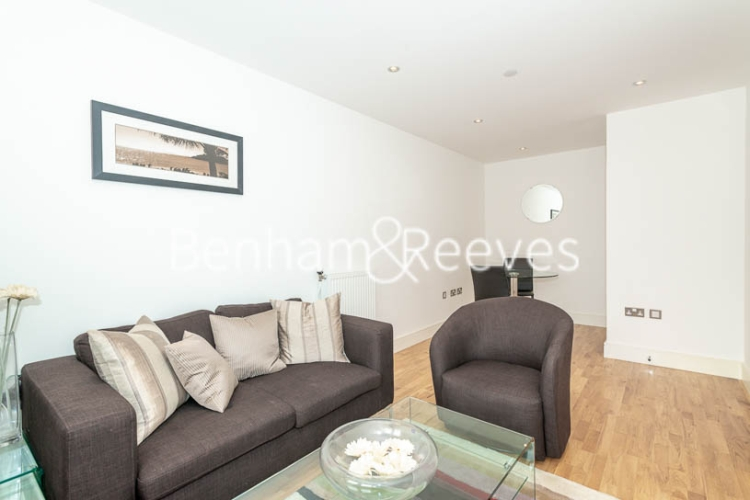 1 bedroom(s) flat to rent in Admirals Tower, Greenwich, SE10-image 1