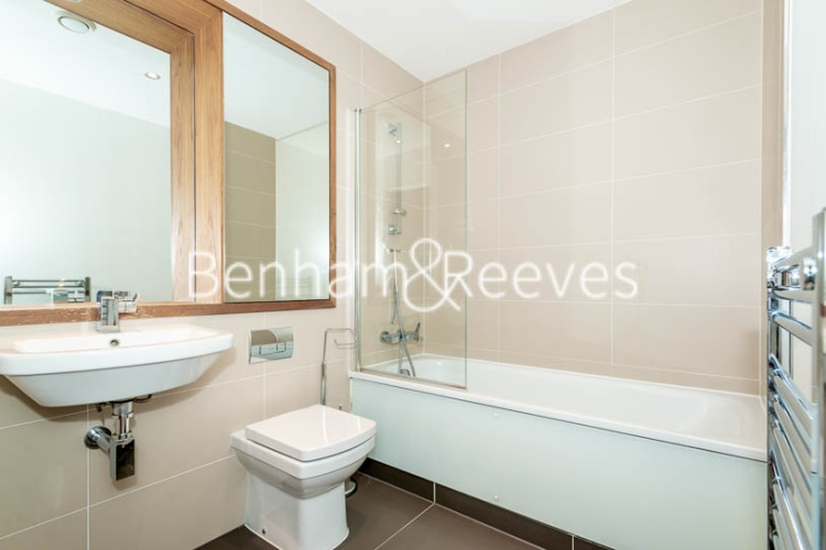1 bedroom(s) flat to rent in Admirals Tower, Greenwich, SE10-image 4