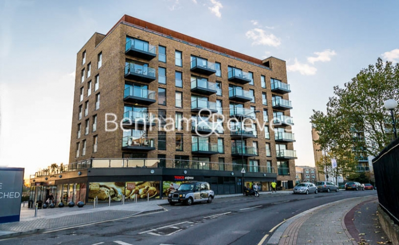 2 bedroom(s) flat to rent in Seafarer Way, Surrey Quays, SE16-image 11