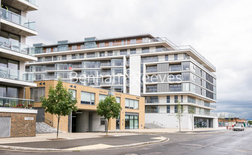 2 bedroom(s) flat to rent in River Gardens Walk, Greenwich, SE10-image 13