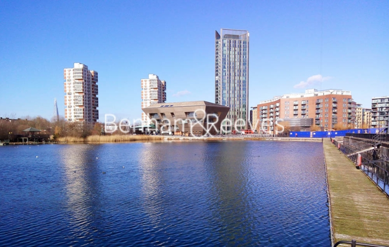 1 bedroom(s) flat to rent in Fairmont house, Canada Water, SE16-image 6