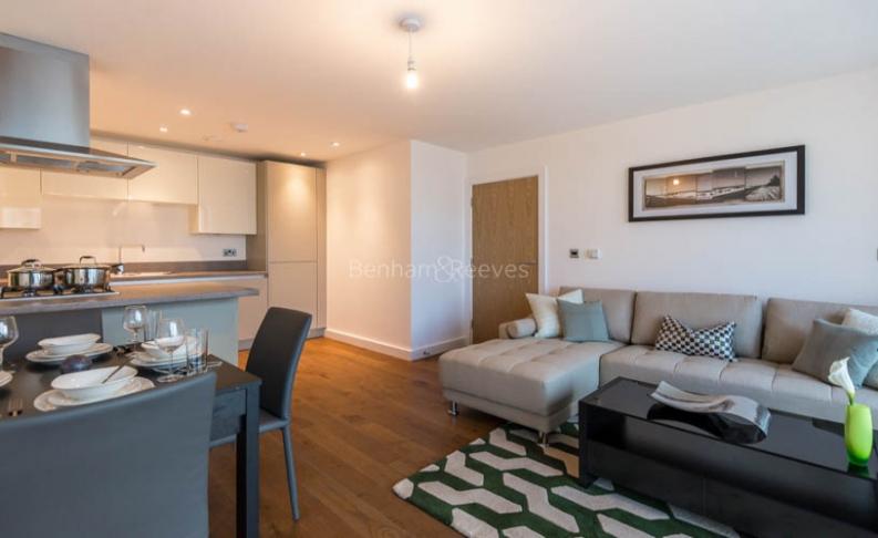 2 bedroom(s) flat to rent in Babbage Point, Surrey Quays, SE10-image 3