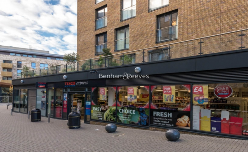 1 bedroom(s) flat to rent in Whiting Way, Surrey Quays, SE16-image 10