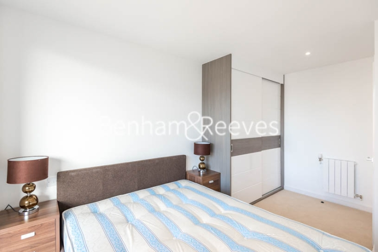 1 bedroom(s) flat to rent in Whiting Way, Surrey Quays, SE16-image 7