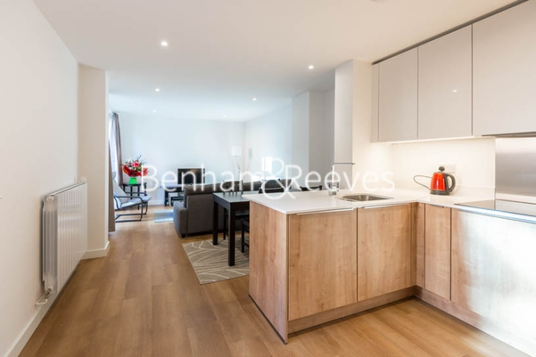 2 bedroom(s) flat to rent in Royal Victoria Gardens, Whiting Way, SE16-image 2