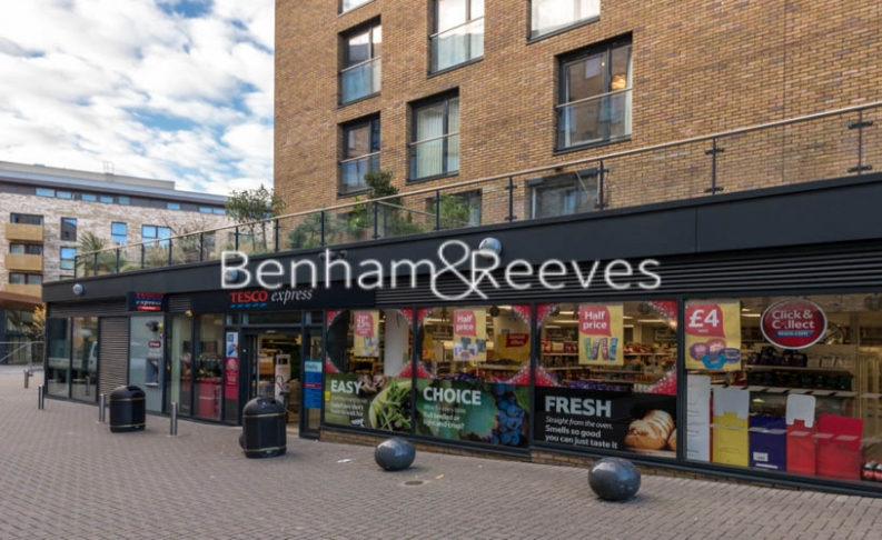 2 bedroom(s) flat to rent in Whiting Way, Surrey Quays, SE16-image 9