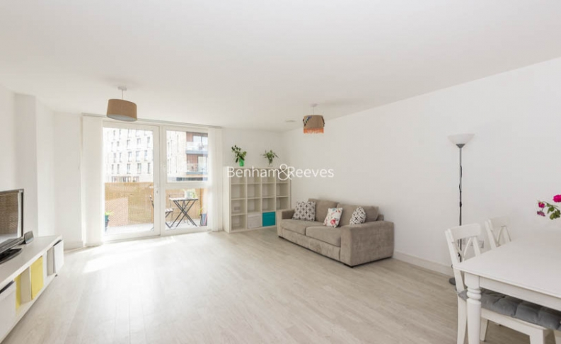 2 bedroom(s) flat to rent in Norlem Court, Surrey Quays, SE8-image 1