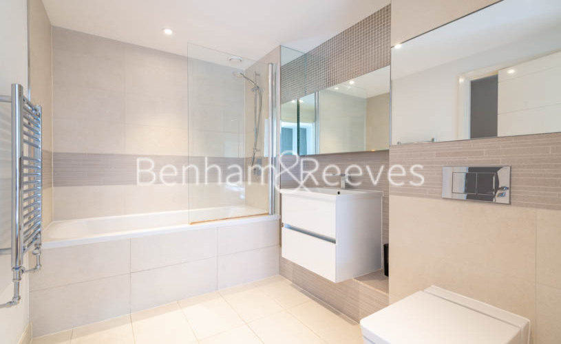 2 bedroom(s) flat to rent in Ashton Reach, Surrey Quays, SE16-image 4