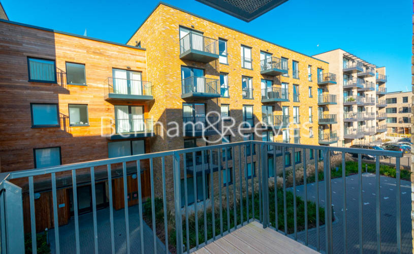 2 bedroom(s) flat to rent in Ashton Reach, Surrey Quays, SE16-image 5