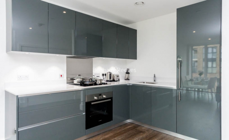 1 bedroom(s) flat to rent in Victory Parade, Woolwich, SE18-image 2