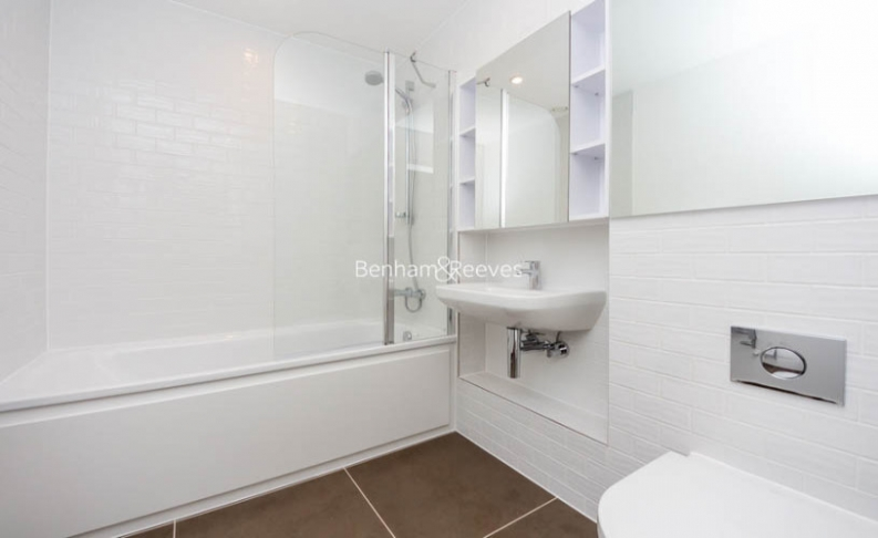 1 bedroom(s) flat to rent in Victory Parade, Woolwich, SE18-image 4