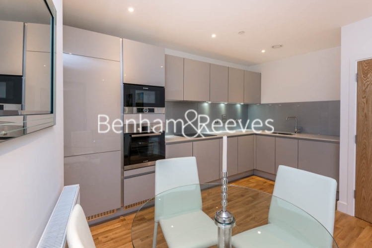 2 bedroom(s) flat to rent in River Mill One, Station Road, SE13-image 2