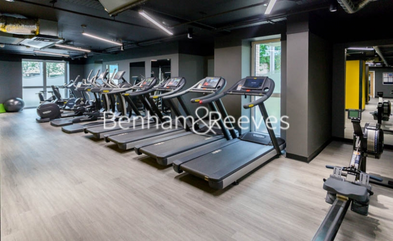 2 bedroom(s) flat to rent in Lariat Apartments, Cable Walk, SE10-image 9