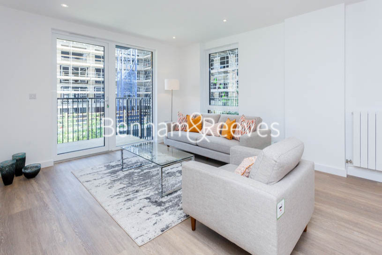 3 bedroom(s) flat to rent in Ashton Reach, Surrey Quays, SE16-image 1