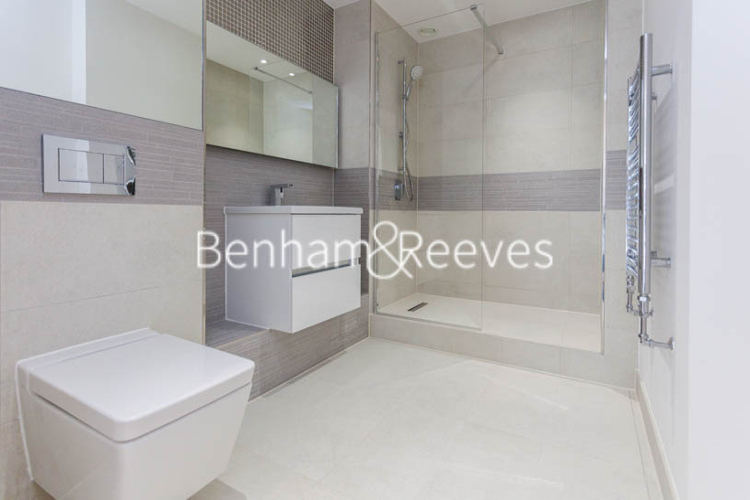 3 bedroom(s) flat to rent in Ashton Reach, Surrey Quays, SE16-image 4