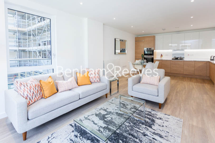 3 bedroom(s) flat to rent in Ashton Reach, Surrey Quays, SE16-image 5