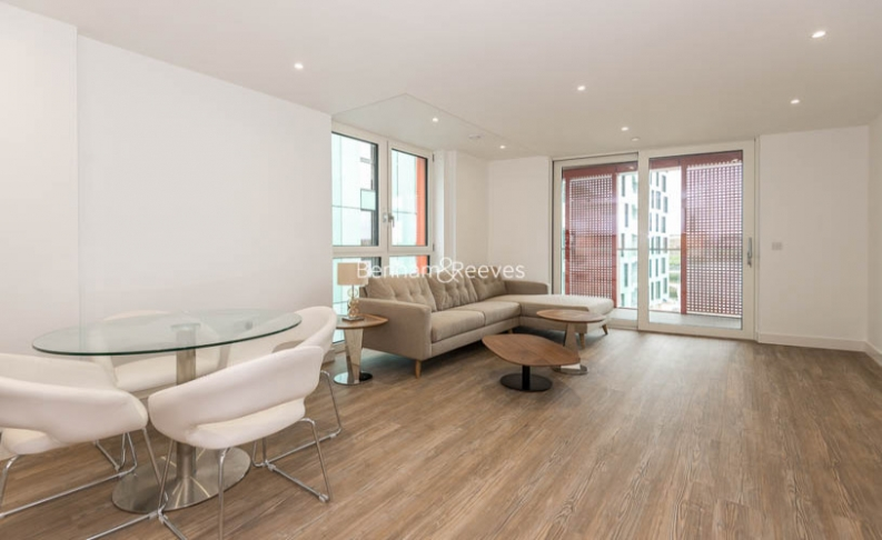 2 bedroom(s) flat to rent in Enderby Wharf, Surrey Quays, SE10-image 1