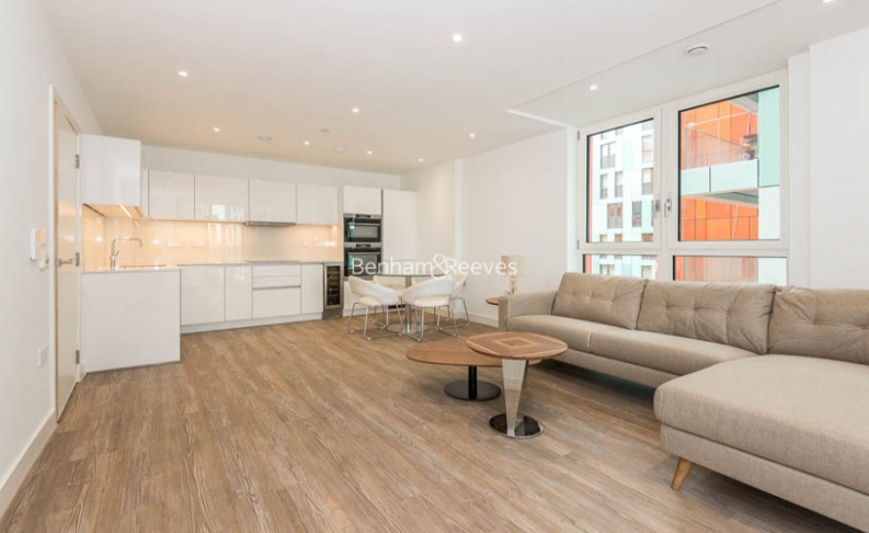 2 bedroom(s) flat to rent in Enderby Wharf, Surrey Quays, SE10-image 2