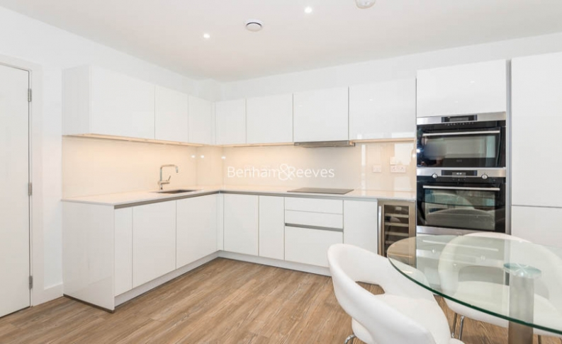 2 bedroom(s) flat to rent in Enderby Wharf, Surrey Quays, SE10-image 4
