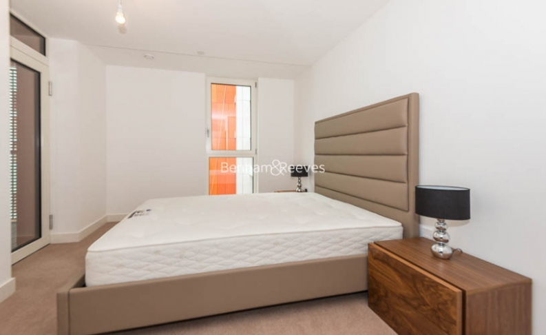 2 bedroom(s) flat to rent in Enderby Wharf, Surrey Quays, SE10-image 6