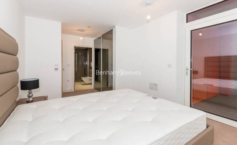 2 bedroom(s) flat to rent in Enderby Wharf, Surrey Quays, SE10-image 7