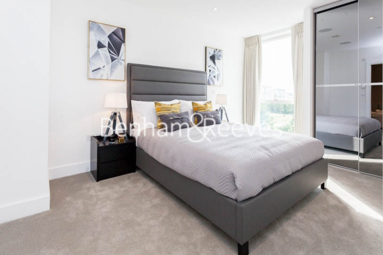 2 bedroom(s) flat to rent in Claremont House, Canada Water, SE16-image 4
