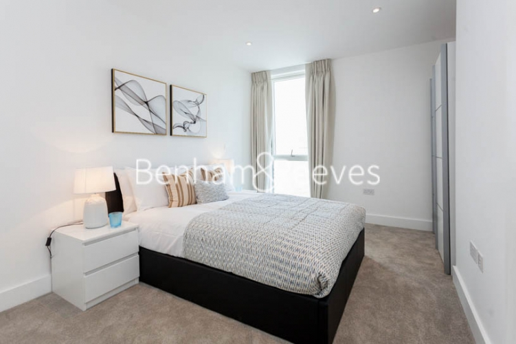 2 bedroom(s) flat to rent in Claremont House, Canada Water, SE16-image 9
