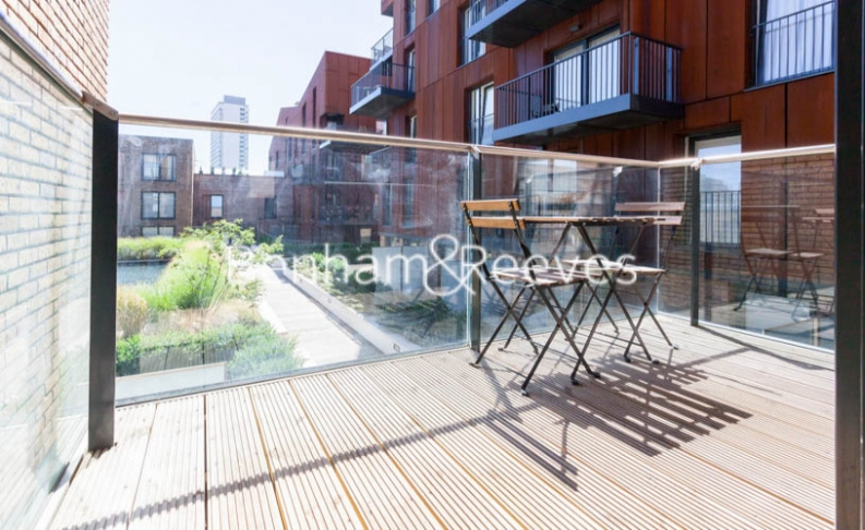 2 bedroom(s) flat to rent in Royal Victoria Gardens, Surrey Quays, SE16-image 5
