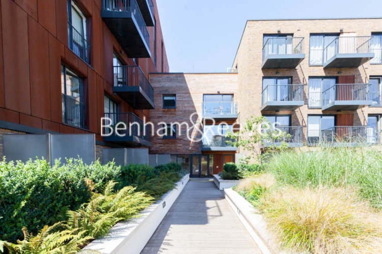 2 bedroom(s) flat to rent in Royal Victoria Gardens, Surrey Quays, SE16-image 10