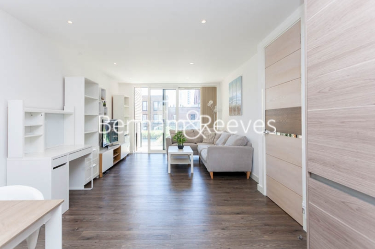 2 bedroom(s) flat to rent in Royal Victoria Gardens, Surrey Quays, SE16-image 16