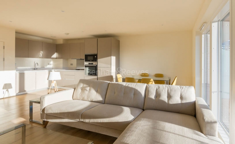 3 bedroom(s) flat to rent in Royal Arsenal Riverside, Woolwich, SE18-image 1