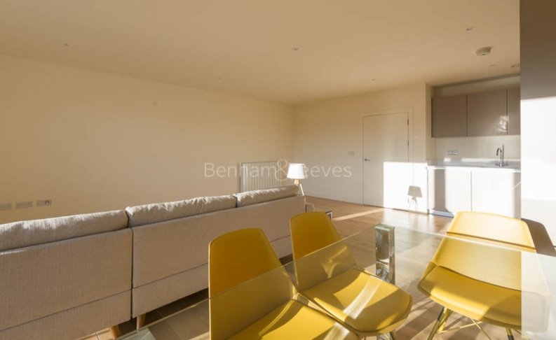 3 bedroom(s) flat to rent in Royal Arsenal Riverside, Woolwich, SE18-image 3