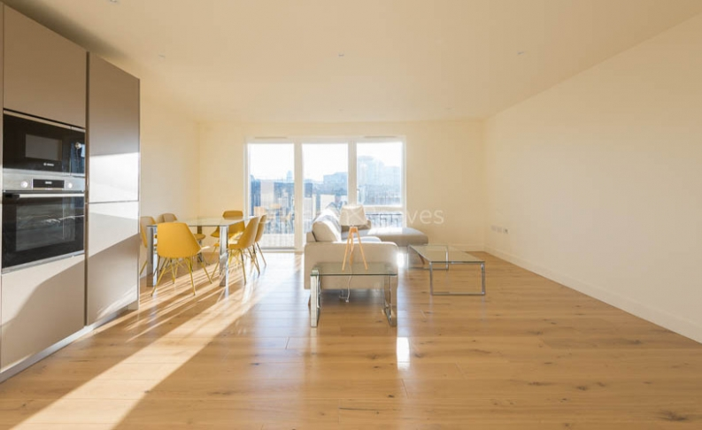 3 bedroom(s) flat to rent in Royal Arsenal Riverside, Woolwich, SE18-image 4