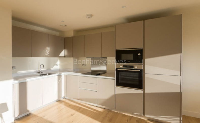 3 bedroom(s) flat to rent in Royal Arsenal Riverside, Woolwich, SE18-image 5