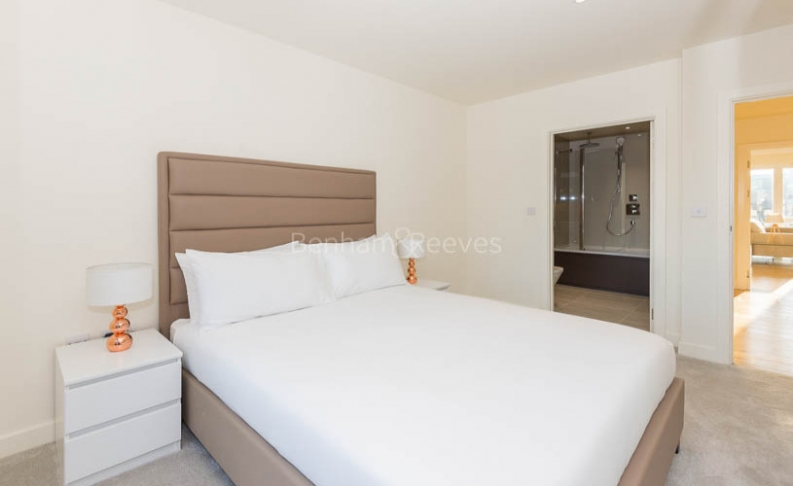 3 bedroom(s) flat to rent in Royal Arsenal Riverside, Woolwich, SE18-image 6