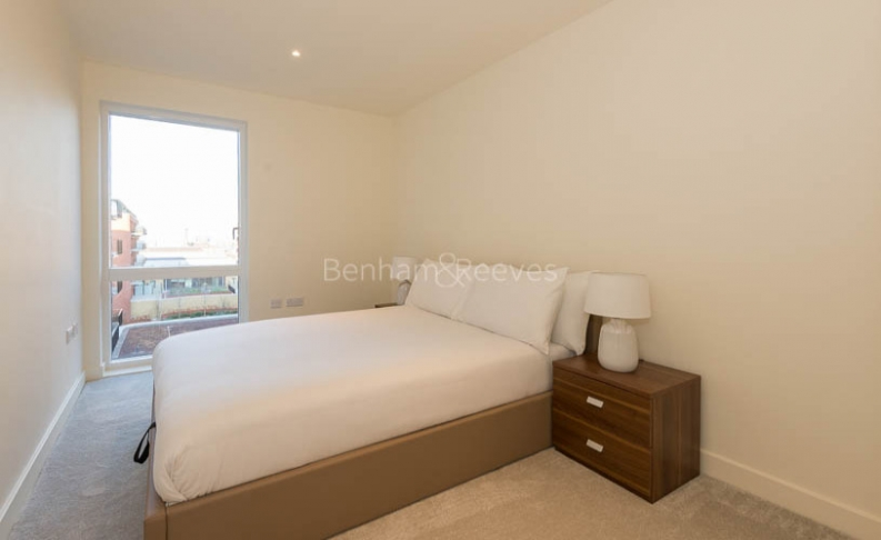 3 bedroom(s) flat to rent in Royal Arsenal Riverside, Woolwich, SE18-image 7