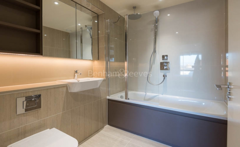 3 bedroom(s) flat to rent in Royal Arsenal Riverside, Woolwich, SE18-image 10