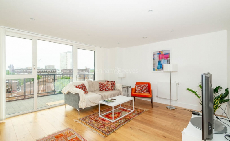 2 bedroom(s) flat to rent in Gullivers Walk, Marine Wharf East, Surrey Quays, SE8-image 2