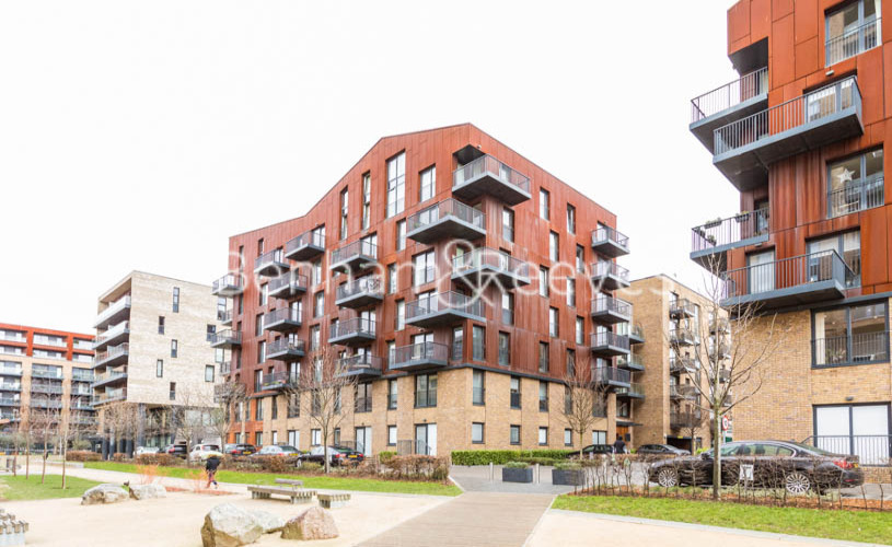 3 bedroom(s) flat to rent in Whiting Way, Surrey Quays, SE16-image 6