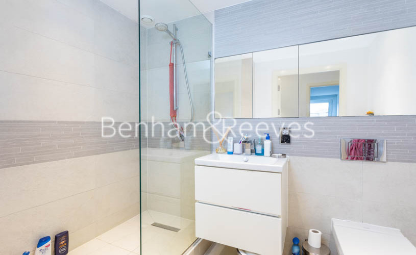3 bedroom(s) flat to rent in Whiting Way, Surrey Quays, SE16-image 10