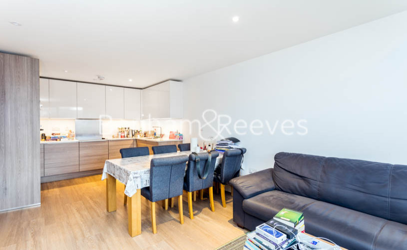 3 bedroom(s) flat to rent in Whiting Way, Surrey Quays, SE16-image 13