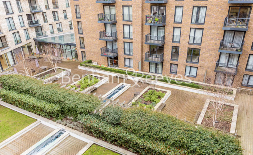 3 bedroom(s) flat to rent in Whiting Way, Surrey Quays, SE16-image 15