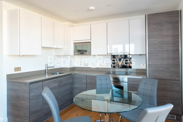 2 bedroom(s) flat to rent in Marine Wharf East, Surrey Quays, SE8-image 2